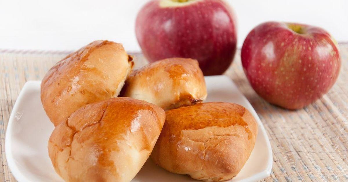 Фото Домашние пирожки с яблоками