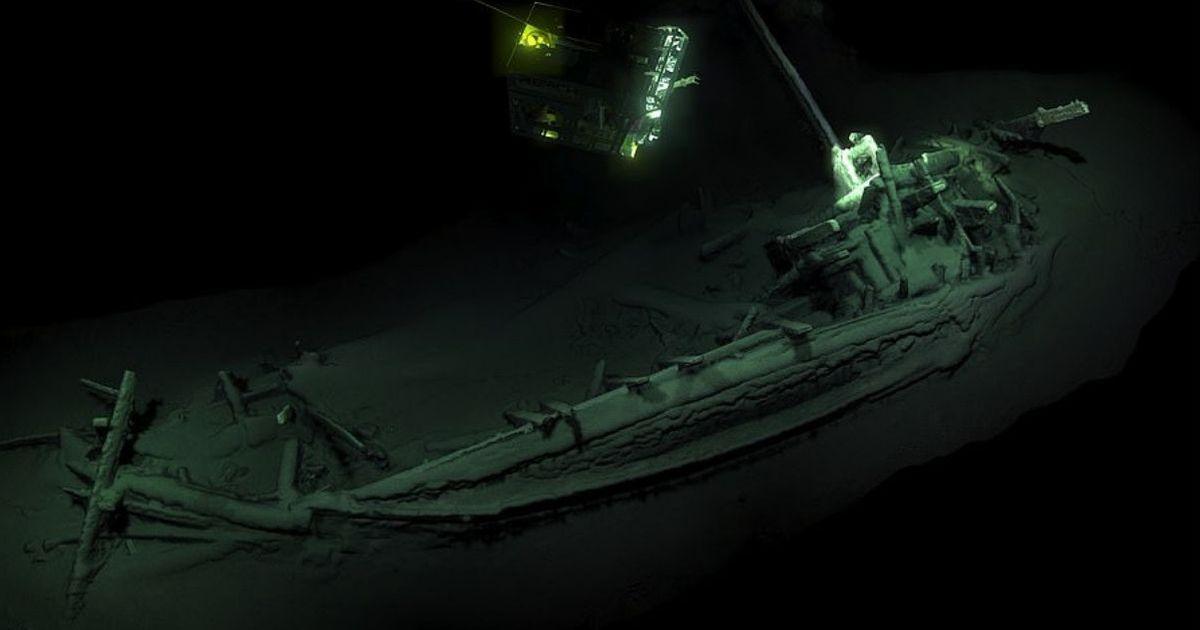 Фото На дне Черного моря найден древнейший в мире корабль