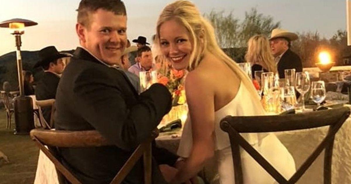 Фото Молодожёны, улетевшие со своей свадьбы на вертолете, разбились