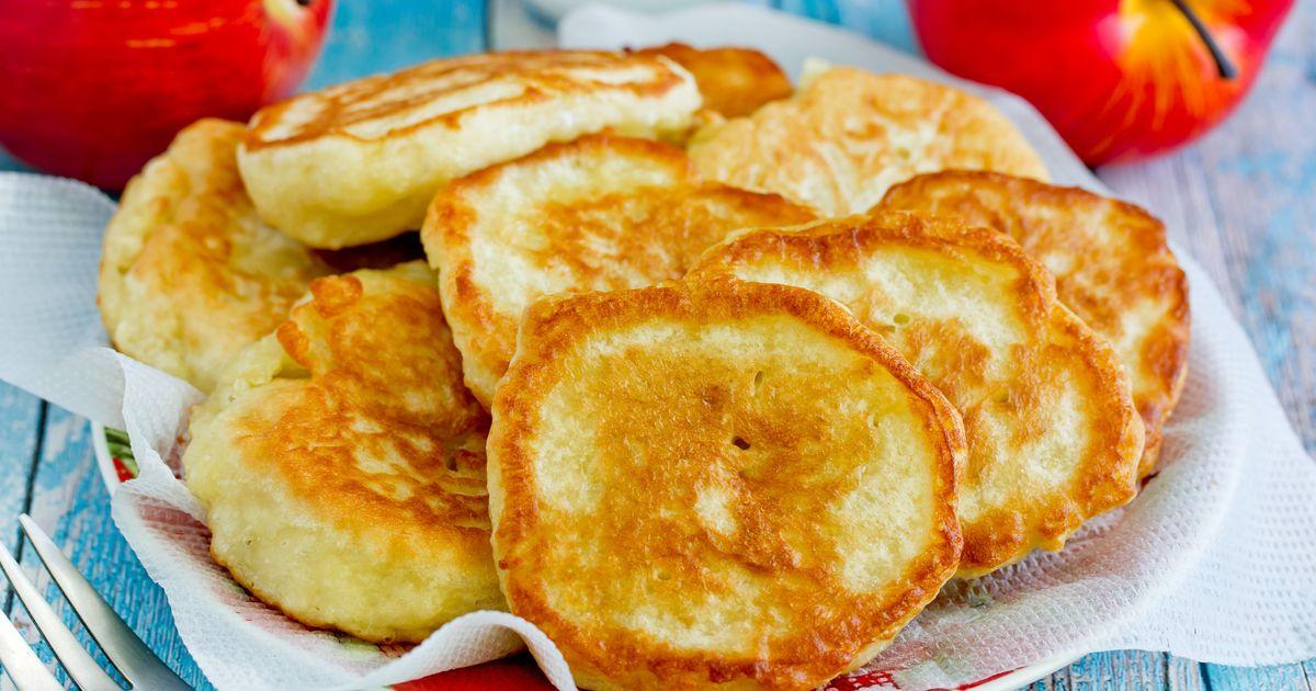 Фото Оладьи на кефире с яблоками