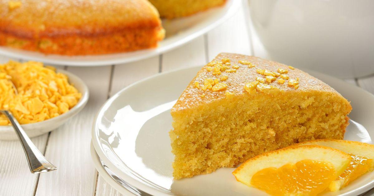 Фото Аромат этого пирога сведет с ума любого гурмана или сладкоежку. Всем, кто любит цитрусы и миндаль в выпечке, сто процентов нужно записать этот рецепт и попробовать приготовить. Он получается невероятно аппетитным, с приятным цитрусовым вкусом, и как