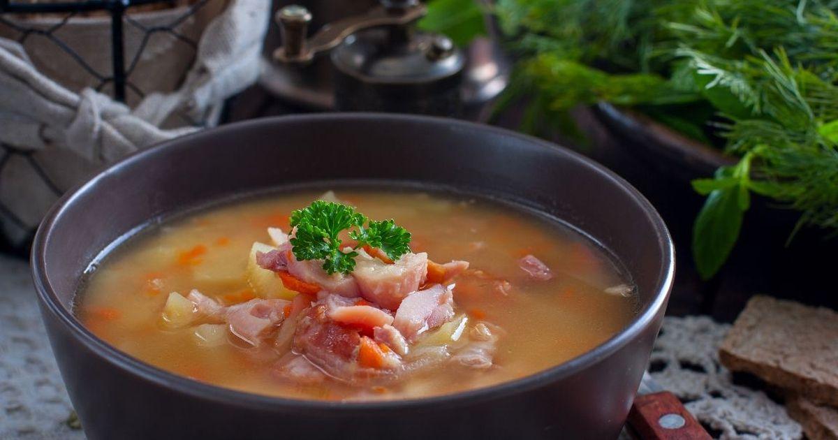 Фото Вкуснейший гороховый суп с копченостями