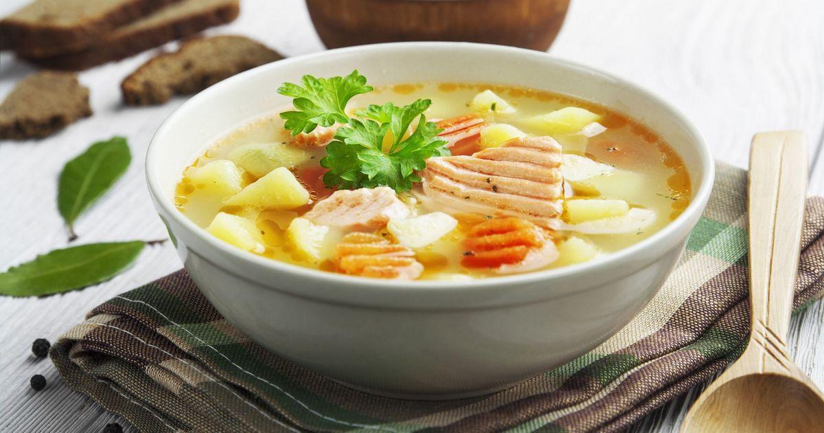 Фото Сытный суп с красной рыбой