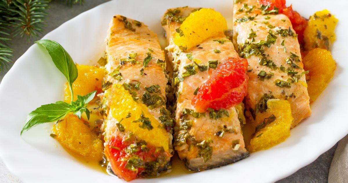 Фото Красная рыба с цитрусовым соусом