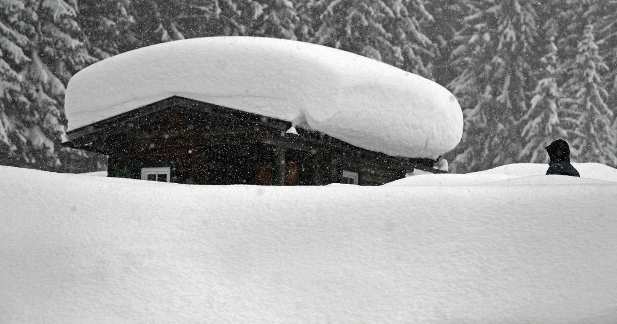 Фото Альпы накрыл сильнейший снегопад. Есть погибшие
