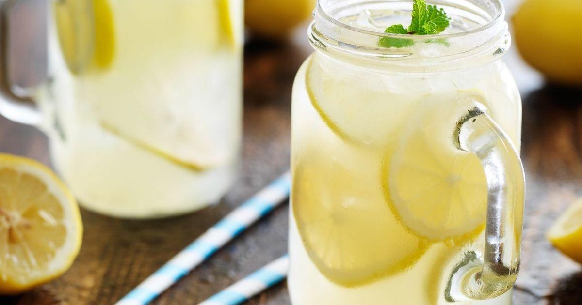 Фото Освежающий домашний лимонад