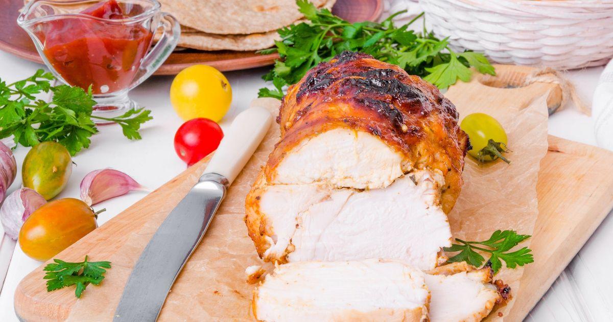Фото Пастрома из куриного филе в медовой глазури