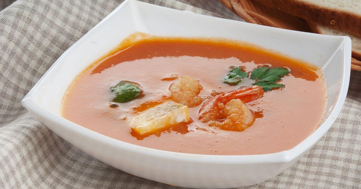 Фото Томатный суп с креветками