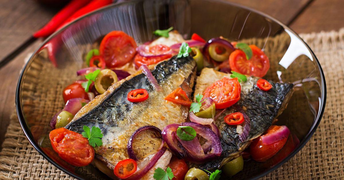Фото Скумбрия по-средиземноморски на сковороде