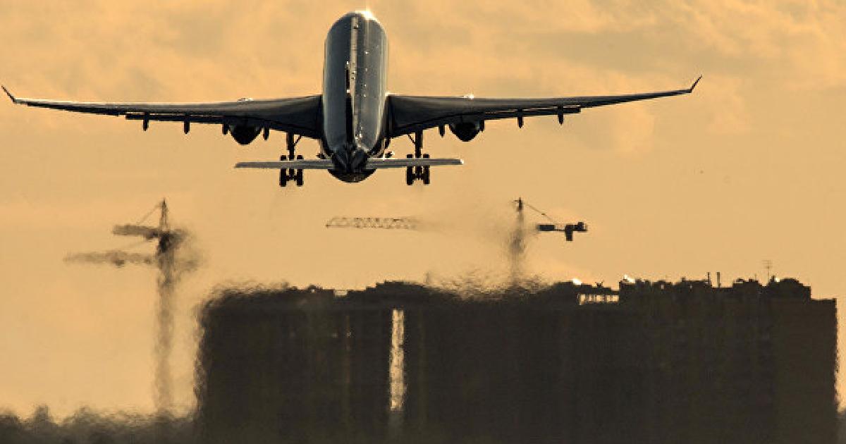 Фото Подрежут крылья. ФСБ получит право отменять авиарейсы за границу