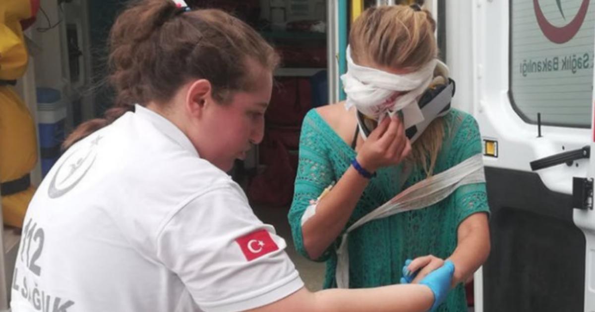 Фото Россияне в тяжелом состоянии после падения автобуса в ущелье в Турции