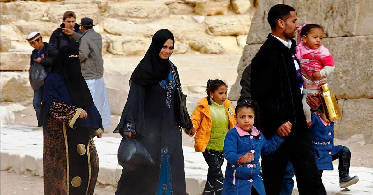 Фото Мусульманка с двумя мужьями шокировала общественность