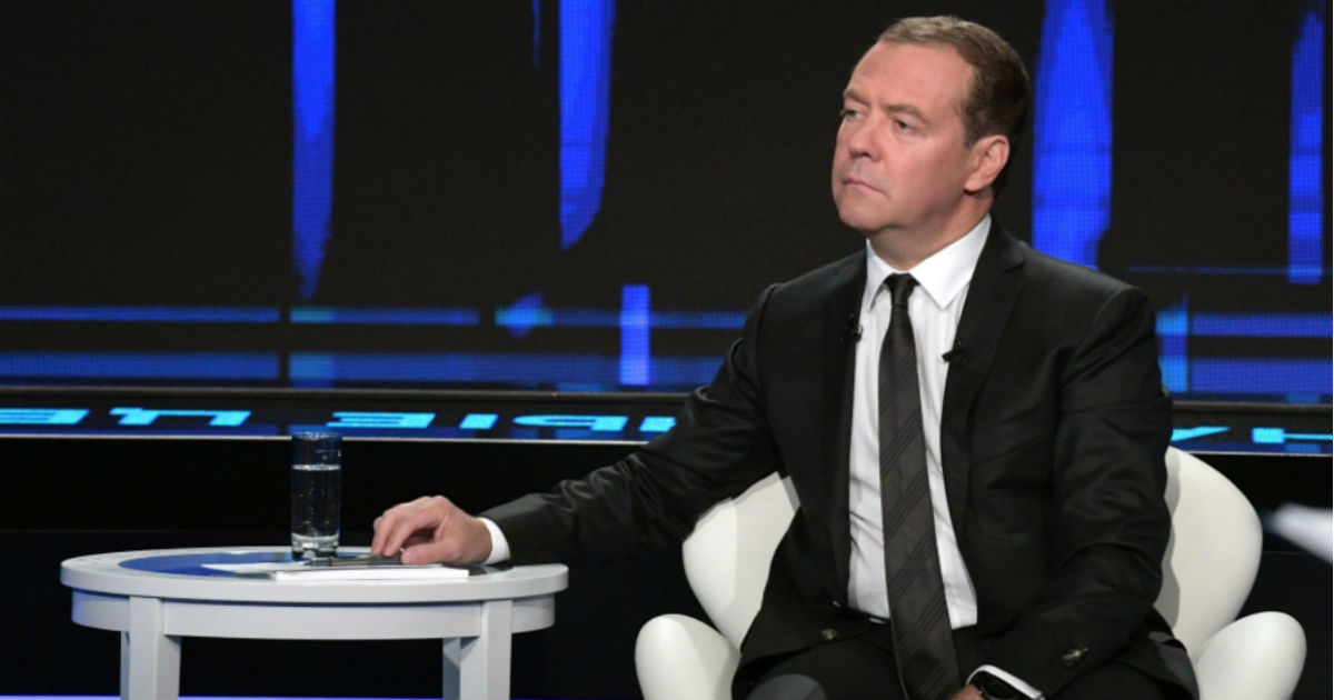 Фото Виновата заграница. Что не так в новом интервью Медведева об экономике