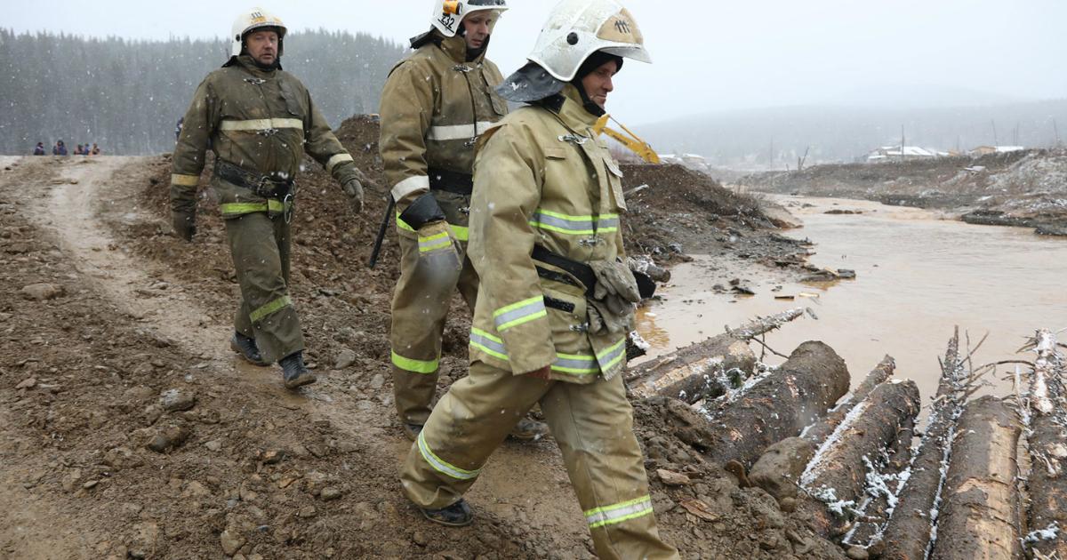 Фото Живые. Спасатели нашли 7 из 13 пропавших без вести при пpopыве дамбы