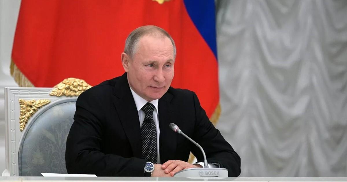 Фото С нами Бог и СССР. Как Владимир Путин отразился в новой Конституции