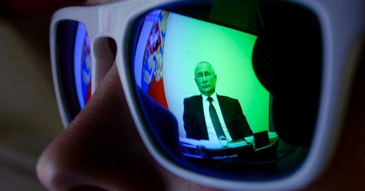 """Фото Исход из самоизоляции. Как понимать """"антивирусное"""" выступление Путина"""