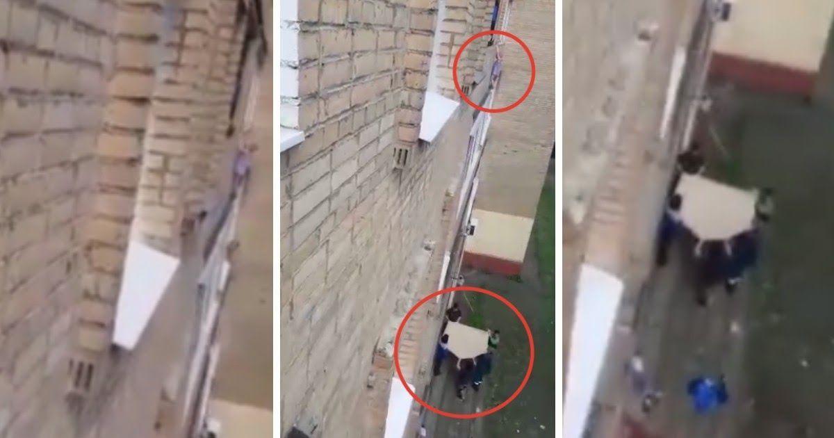 Фото Спасение ребенка в Подольске: перелез через балкон, пока мать отсыпалась