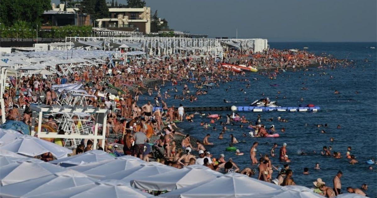"""Фото """"Всем плевать"""". Туристы - о том, как заразились ковидом на Черном море"""