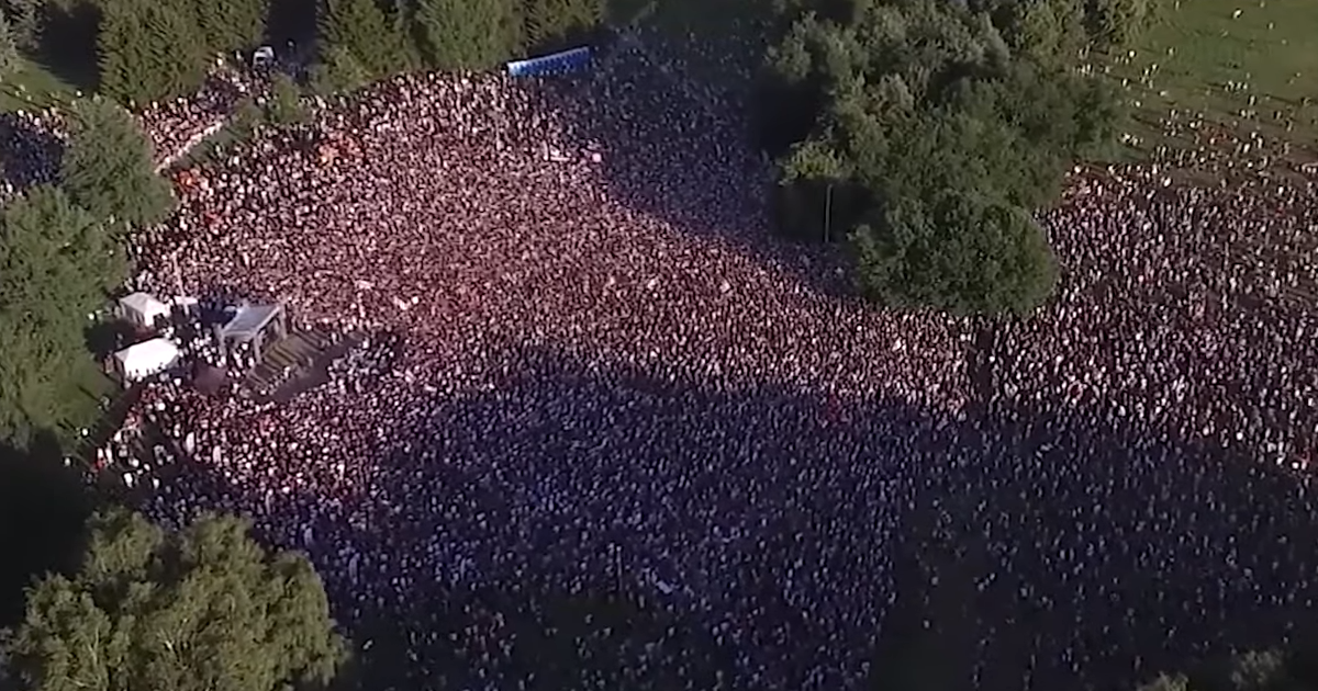 Фото Минск вышел: в Белоруссии начался самый большой митинг в истории страны