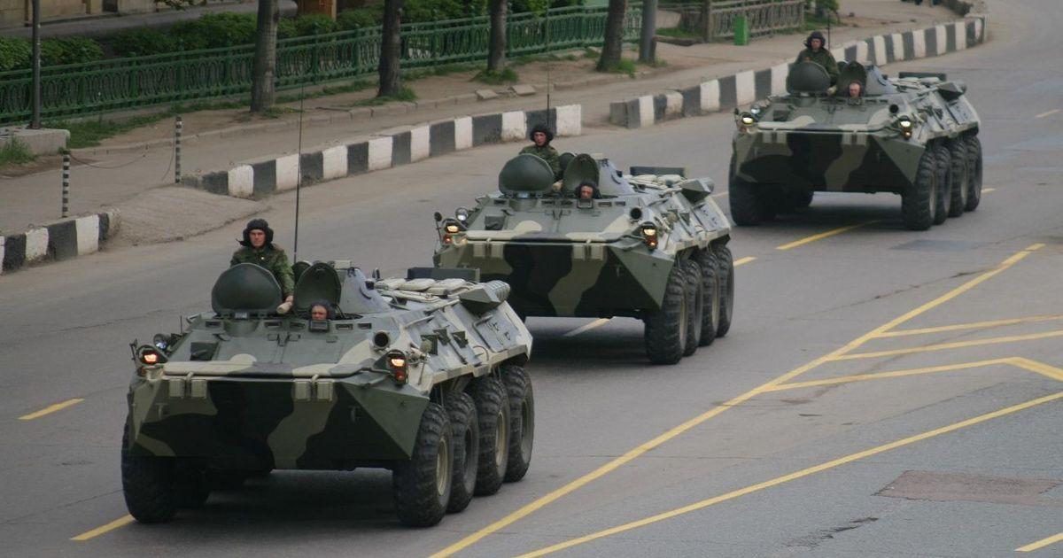 Фото Внешняя разведка не исключает наступления РФ на Украину, но не осенью