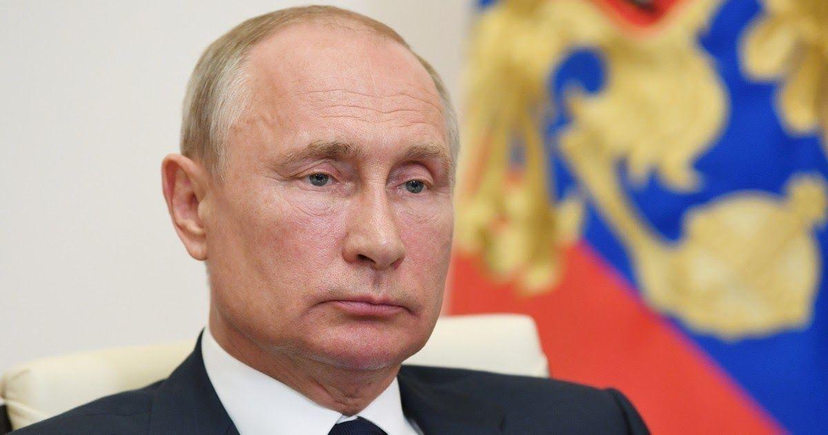 "Фото ""Моя дочь сделала прививку"". Путин объявил о регистрации вакцины от COVID"
