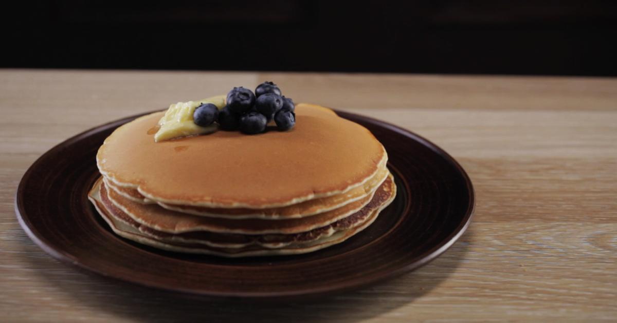 Фото Пышные панкейки - быстрый и вкусный завтрак для всей семьи ♥