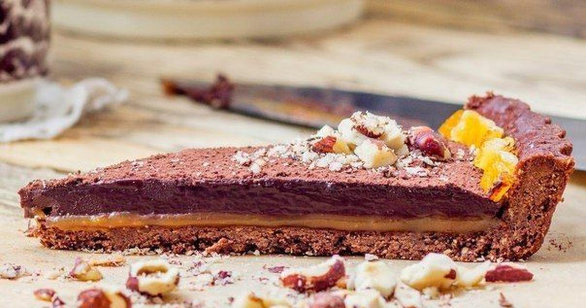 Фото Тарт с шоколадным ганашем и соленой карамелью