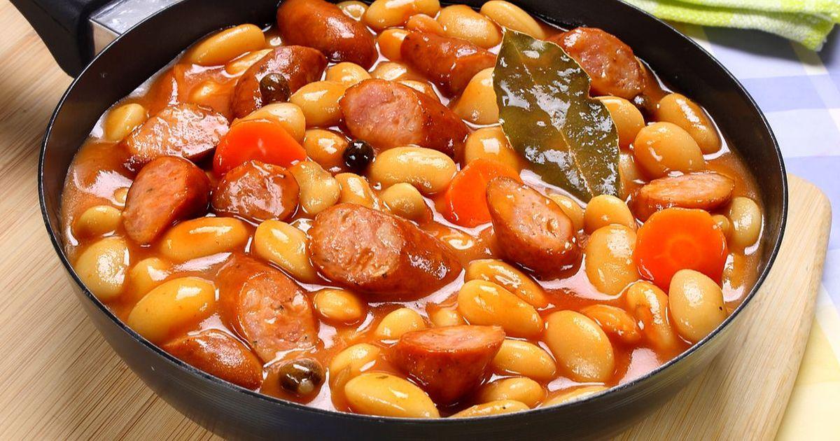 Фото Белая фасоль в томатном соусе с