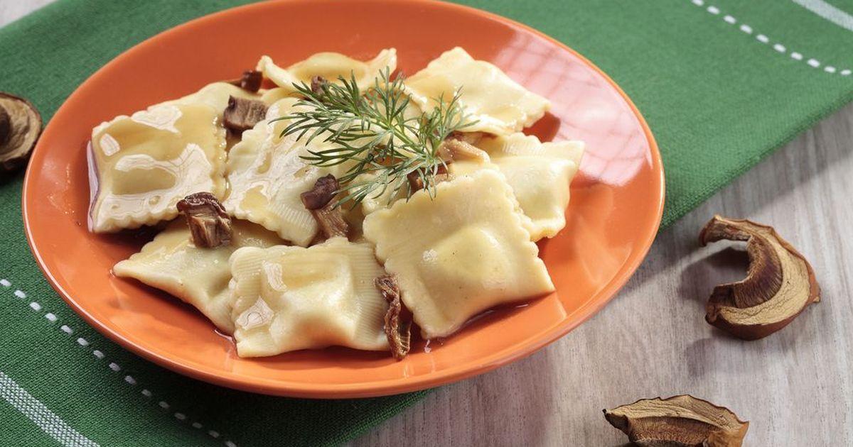 Фото Равиоли с грибами и грецкими орехами