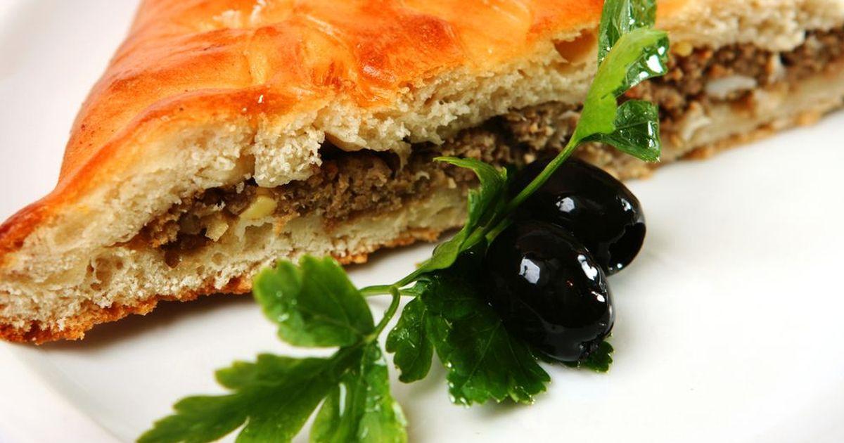 Фото Заливной пирог с мясной начинкой