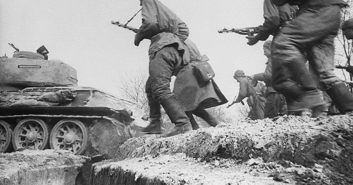 "Фото «Красная армия ""задавливала железом"", а не ""заваливала трупами""»"