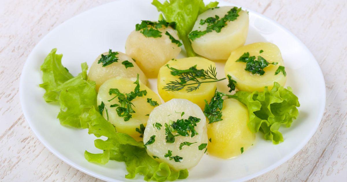Фото Вареный молодой картофель