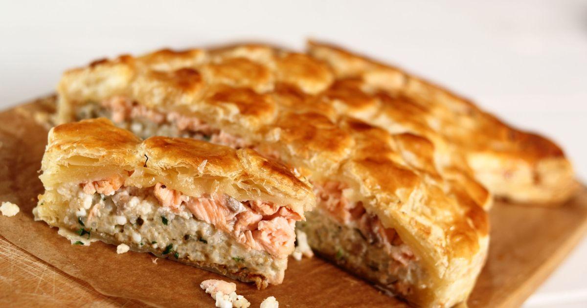 Фото Слоеный пирог с рыбой и рисом