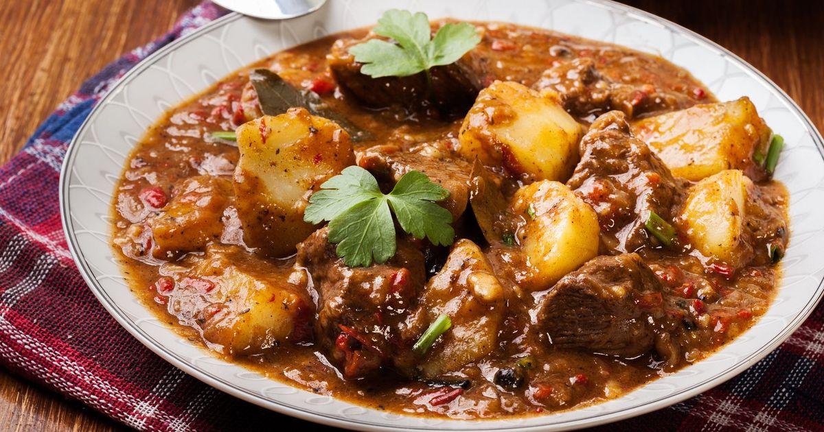 Фото Тушеная говядина с картофелем
