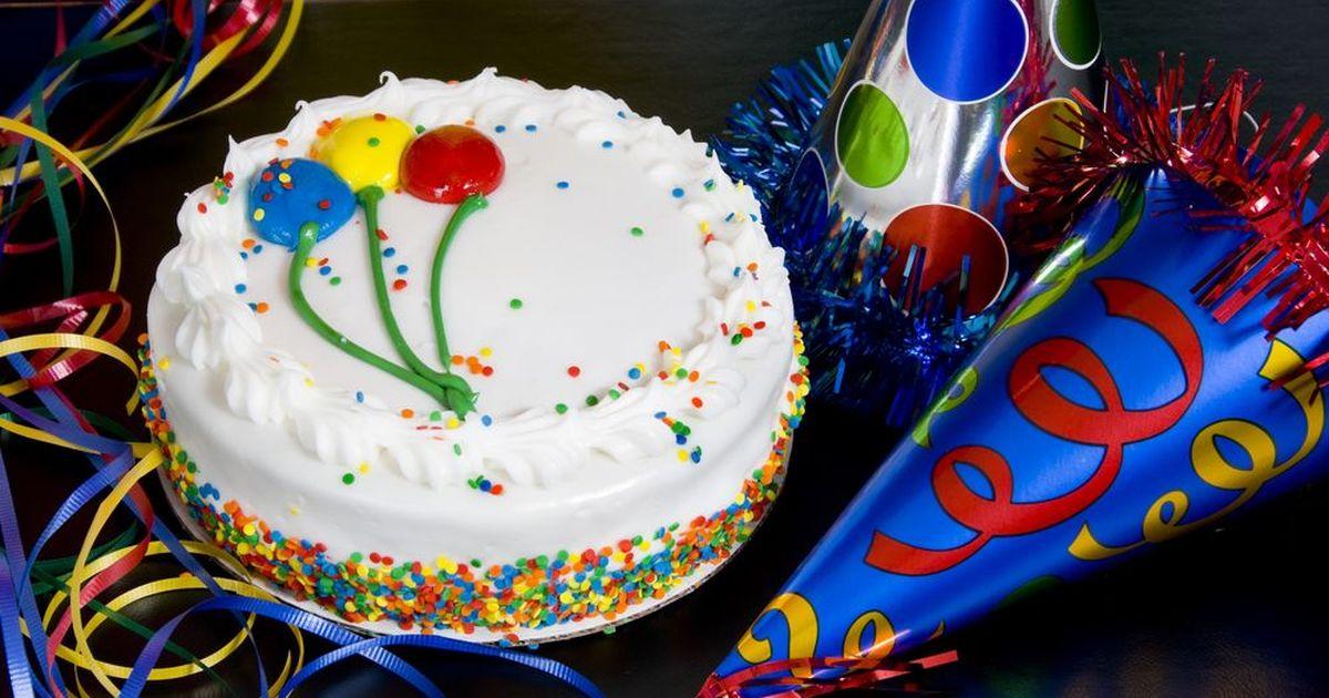 Фото Бисквитный торт для именинника