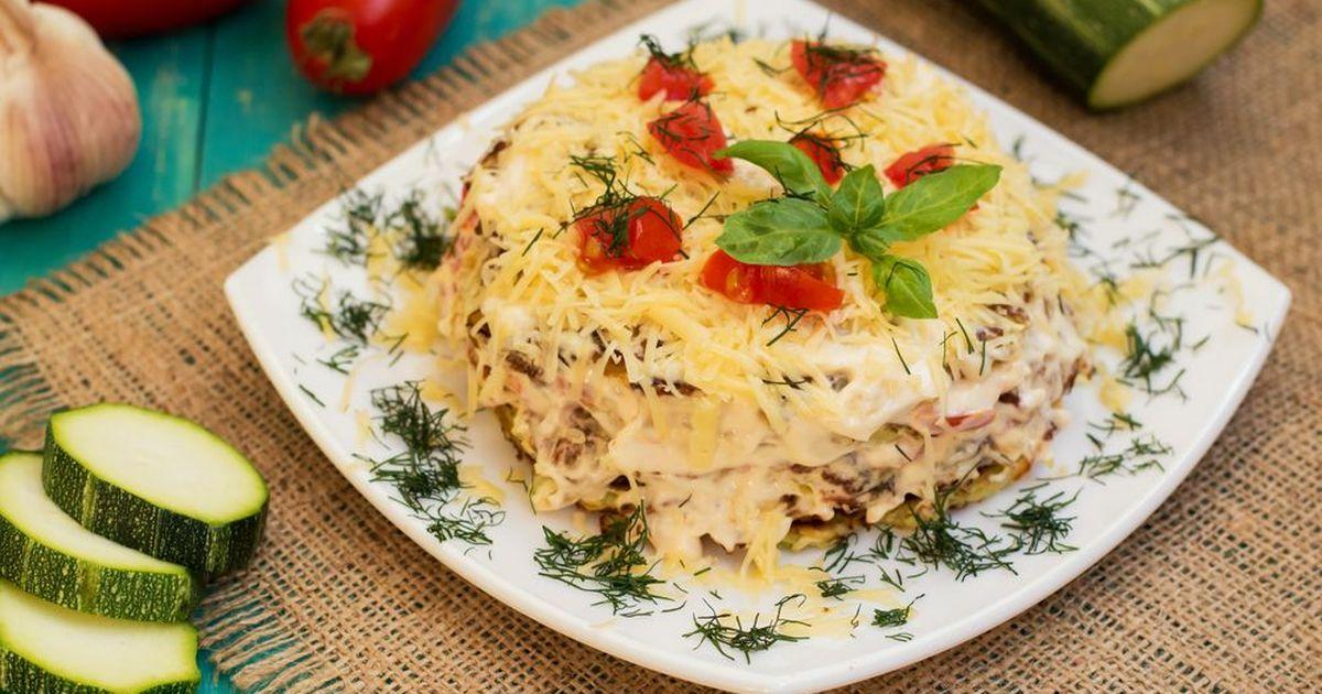 Фото Кабачковый торт с помидорами и сыром