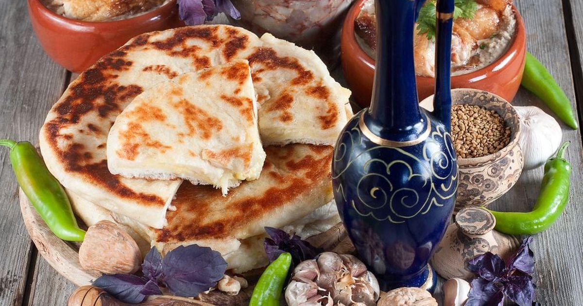 Фото Хачапури с сыром на сковороде