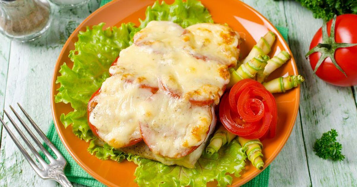 Фото Тилапия, запечённая с сыром и помидорами