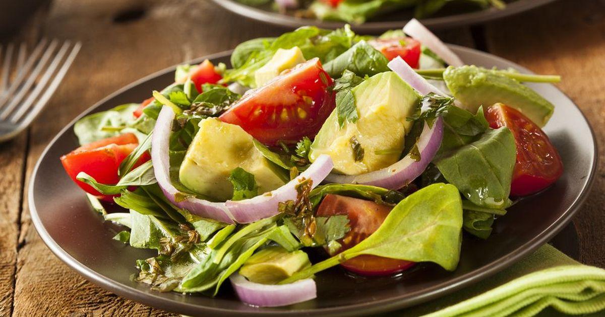 Фото Салат из авокадо с помидорами