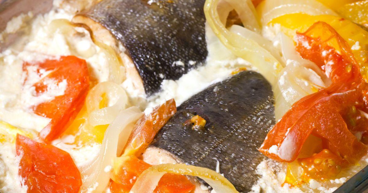Фото Горбуша с овощами в духовке