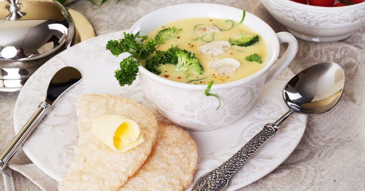 Фото Сырный суп с брокколи и шампиньонами