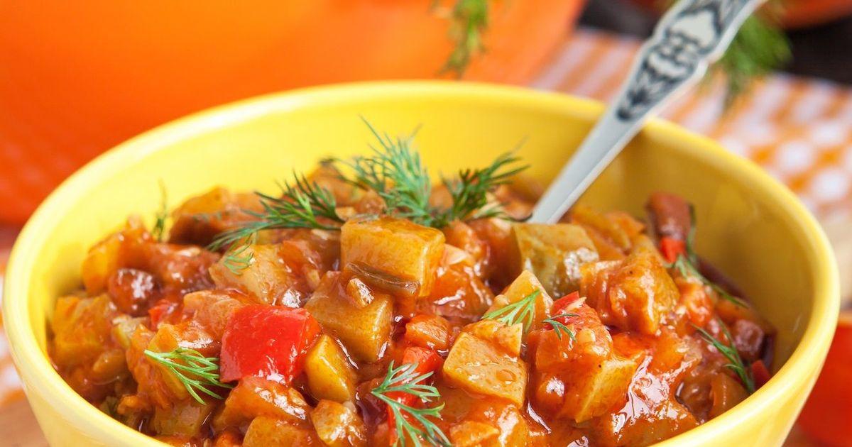 Фото Вкуснейшие кабачки в томатно-луковом соусе