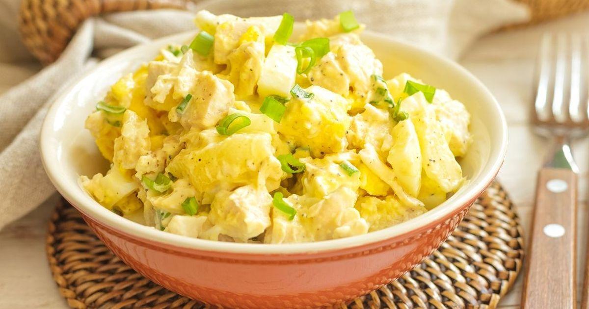 Фото Лёгкий салат с курицей и ананасом