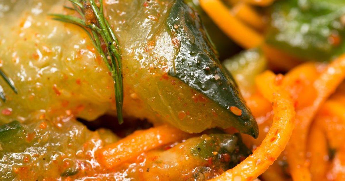 Фото Огурцы с морковью по-корейски на зиму