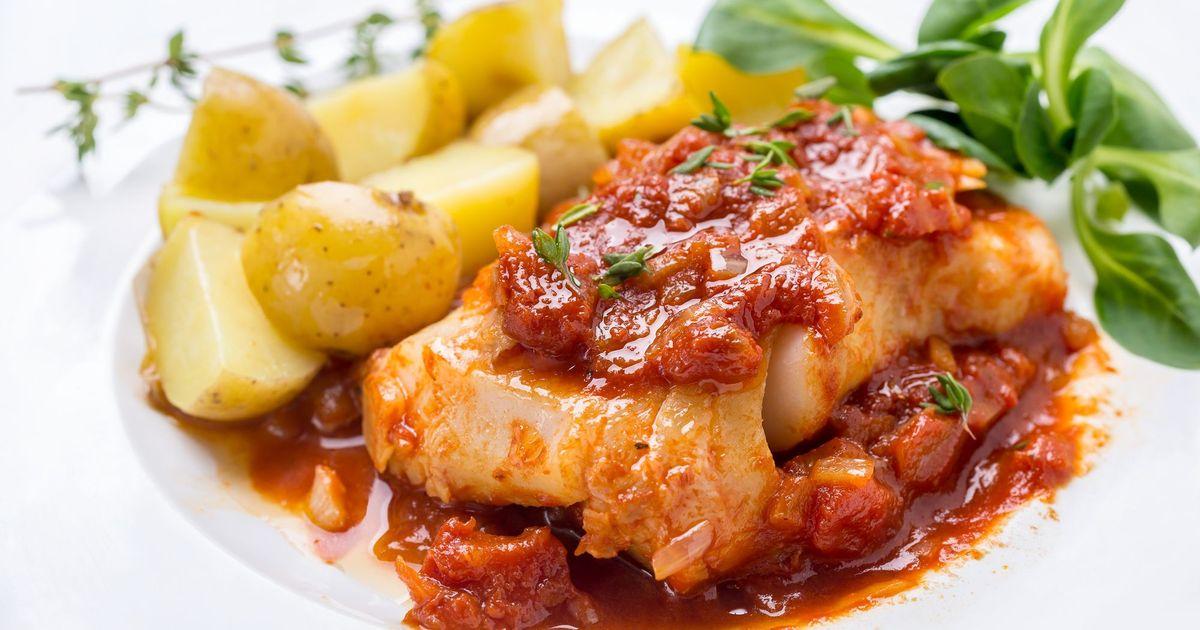 Фото Рыбное филе в соусе с картофелем