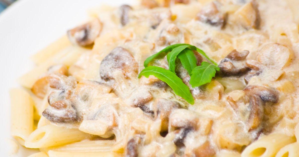 Фото Аппетитная паста со сливочно-грибным соусом