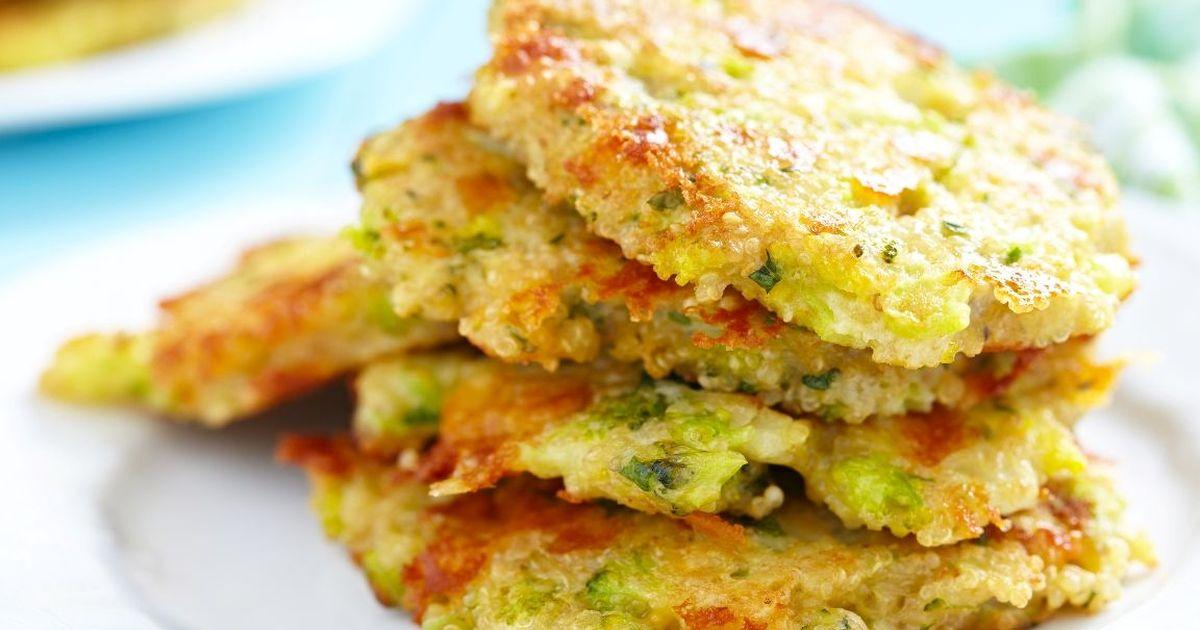 Фото Аппетитные оладьи из брокколи с сыром