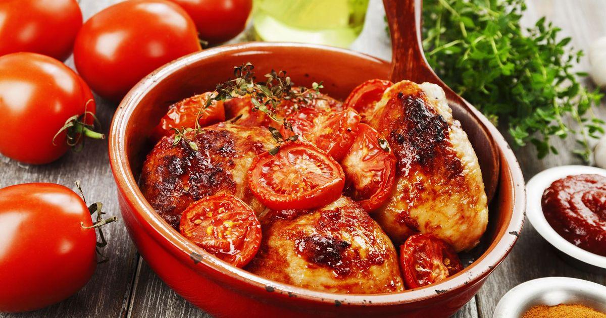 Фото Куриные бедрышки в томатном соусе
