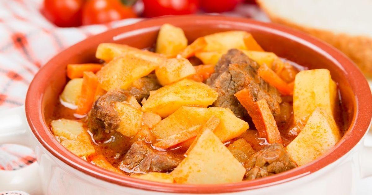 Фото Картошка, тушенная с мясом, как в детском саду