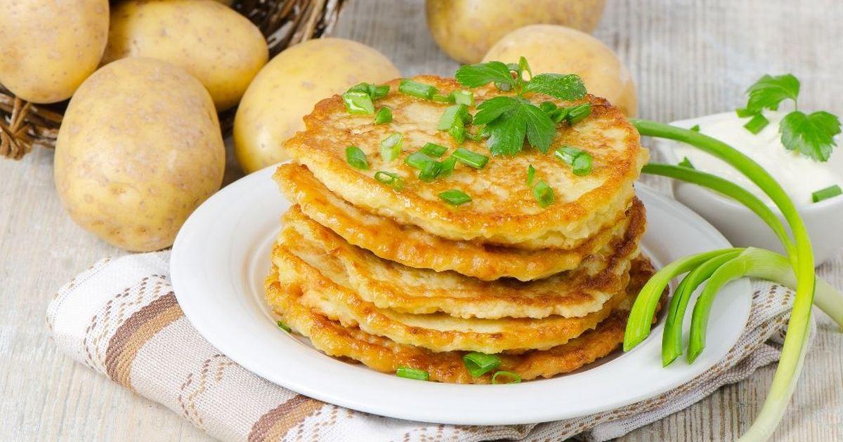 Фото Вкуснейшие картофельные оладьи с сыром